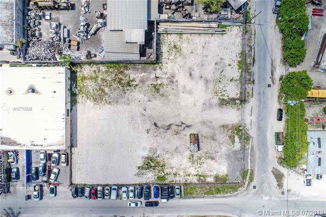2780 NW 21st Ter, Miami, FL 33142 (MLS #A10713326) :: The Erice Group