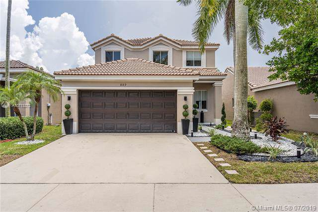 889 Golden Cane Dr, Weston, FL 33327 (MLS #A10713372) :: Berkshire Hathaway HomeServices EWM Realty