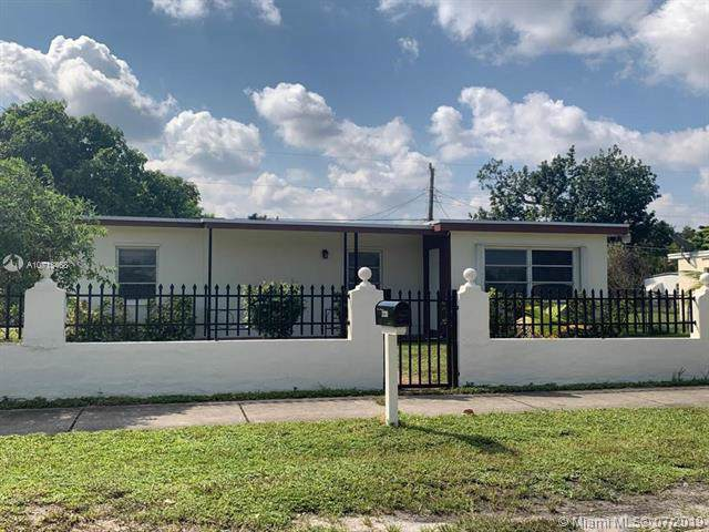 2330 NW 162nd St, Miami Gardens, FL 33054 (MLS #A10713468) :: Grove Properties