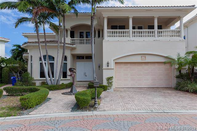 1145 Hatteras Ln, Hollywood, FL 33019 (MLS #A10713550) :: Grove Properties