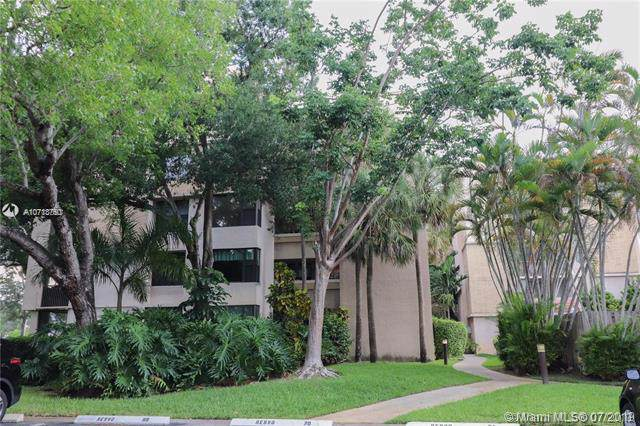 6800 Cypress Rd #216, Plantation, FL 33317 (MLS #A10713750) :: The Paiz Group