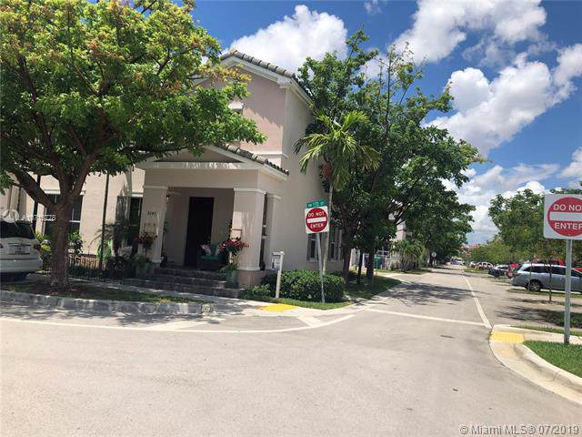 9245 SW 170th Ct #9245, Kendall, FL 33196 (MLS #A10713778) :: Grove Properties