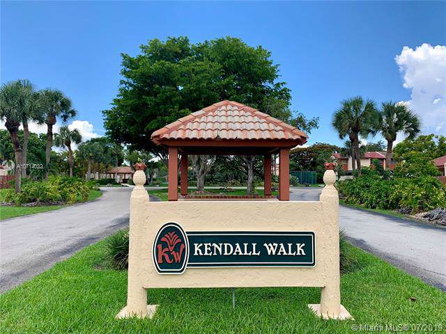 9050 SW 149th Pl, Miami, FL 33196 (MLS #A10714032) :: The Paiz Group