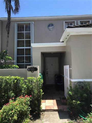 5451 SW 71st Pl, Miami, FL 33155 (MLS #A10714625) :: Berkshire Hathaway HomeServices EWM Realty