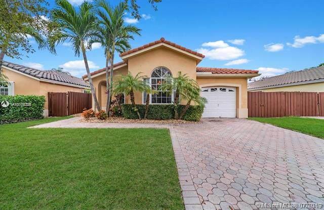 11306 SW 92nd St, Miami, FL 33176 (MLS #A10714705) :: Berkshire Hathaway HomeServices EWM Realty