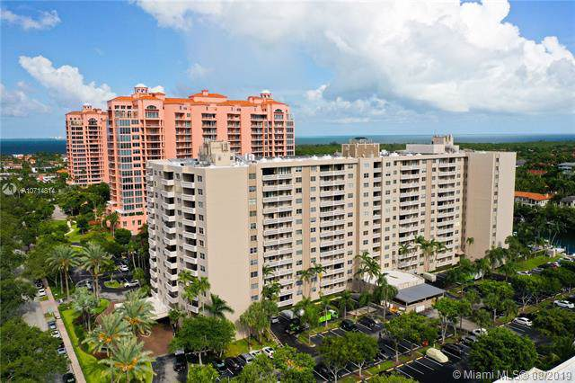90 Edgewater Dr #512, Coral Gables, FL 33133 (MLS #A10714814) :: Grove Properties