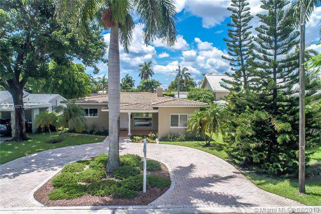 1118 Lincoln St, Hollywood, FL 33019 (MLS #A10714942) :: Castelli Real Estate Services