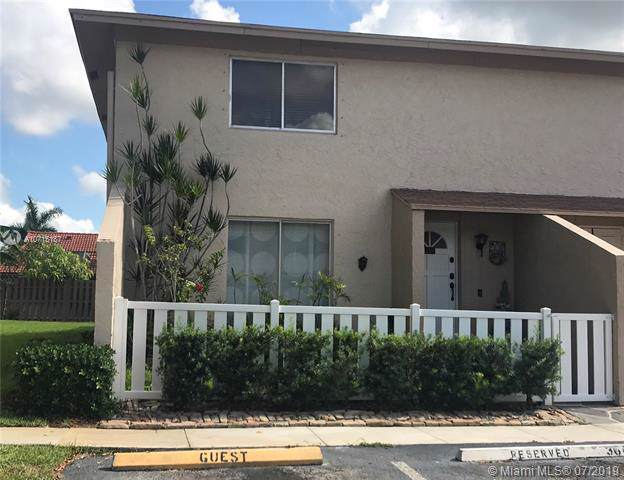 1749 NW 80th Ave A, Margate, FL 33063 (MLS #A10715187) :: The Paiz Group