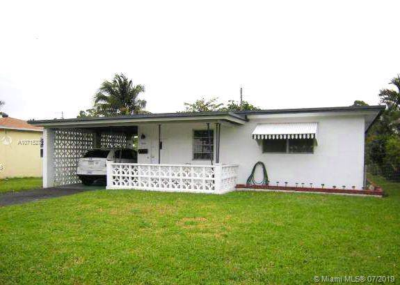 2419 Wilson St, Hollywood, FL 33020 (MLS #A10715272) :: Castelli Real Estate Services