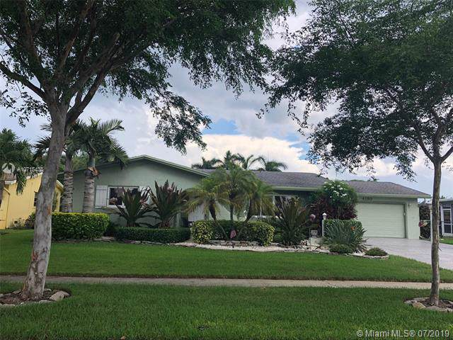 4120 NW 10th St, Coconut Creek, FL 33066 (MLS #A10715438) :: The Riley Smith Group