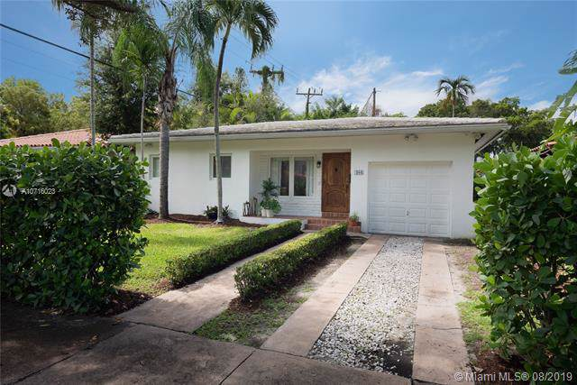 408 Amalfi Ave, Coral Gables, FL 33146 (MLS #A10716023) :: The Rose Harris Group