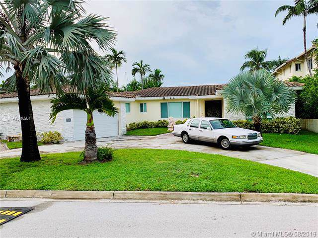 1277 Biscaya Dr, Surfside, FL 33154 (MLS #A10716284) :: Berkshire Hathaway HomeServices EWM Realty