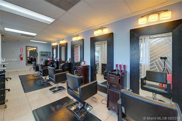 Beauty & Nail Salon By Tamiami Airport, Kendall, FL 33186 (MLS #A10716290) :: The Kurz Team