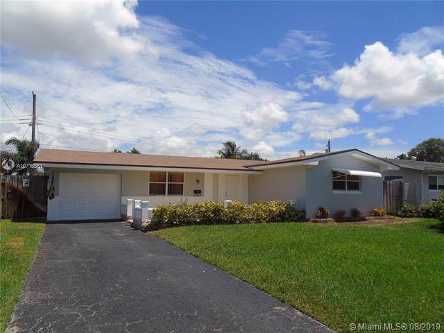 8581 NW 15th St, Pembroke Pines, FL 33024 (MLS #A10716361) :: Grove Properties