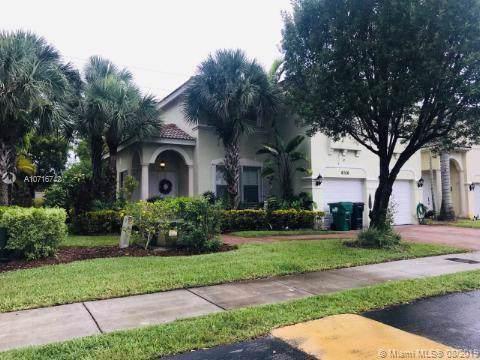 8756 SW 3rd Lane, Miami, FL 33174 (MLS #A10716742) :: Albert Garcia Team