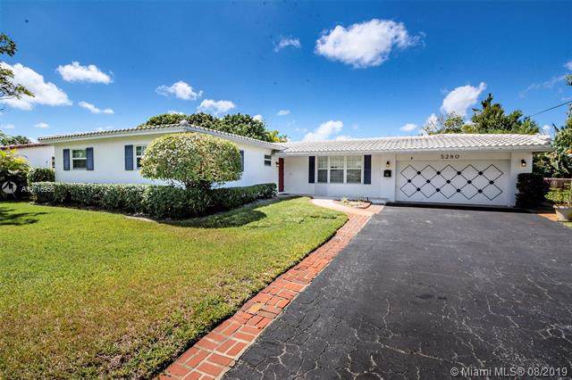 5280 SW 4th Ct, Plantation, FL 33317 (MLS #A10716956) :: The Paiz Group