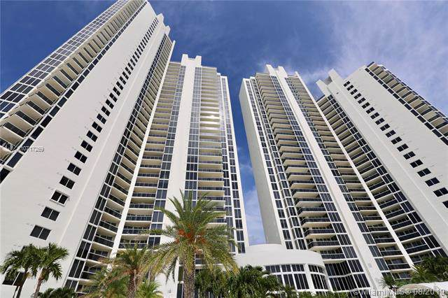 19111 Collins Ave #207, Sunny Isles Beach, FL 33160 (MLS #A10717269) :: Grove Properties