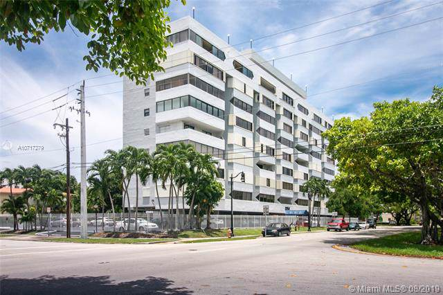 2950 SW 3rd Ave 3G, Miami, FL 33129 (MLS #A10717279) :: The TopBrickellRealtor.com Group