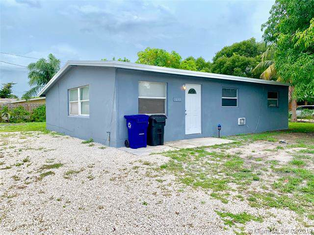 1843 Lauderdale Manor, Fort Lauderdale, FL 33311 (MLS #A10717559) :: The Kurz Team