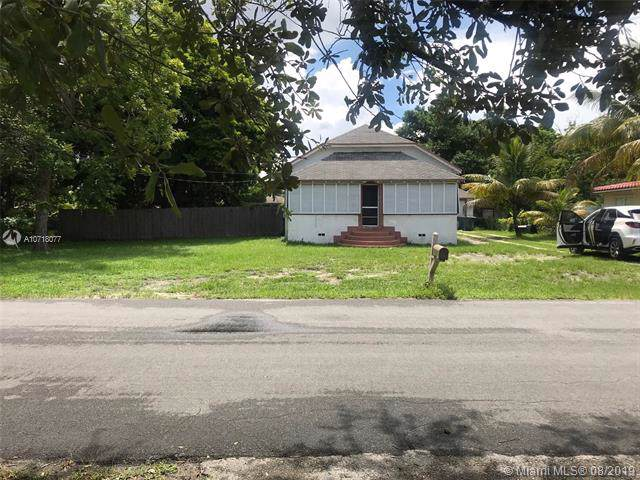 120 SW 1st Ave, Hallandale, FL 33009 (MLS #A10718077) :: RE/MAX Presidential Real Estate Group