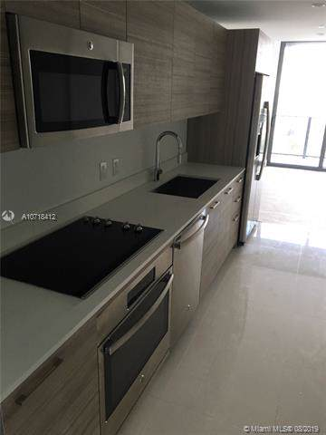 121 NE 34th St #2015, Miami, FL 33137 (MLS #A10718412) :: Ray De Leon with One Sotheby's International Realty