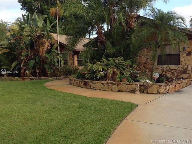 346 NE Ficus Ter, Jensen Beach, FL 34957 (MLS #A10718780) :: Berkshire Hathaway HomeServices EWM Realty