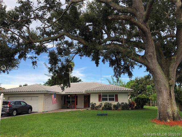 10660 NW 38th St, Coral Springs, FL 33065 (MLS #A10718886) :: Ray De Leon with One Sotheby's International Realty