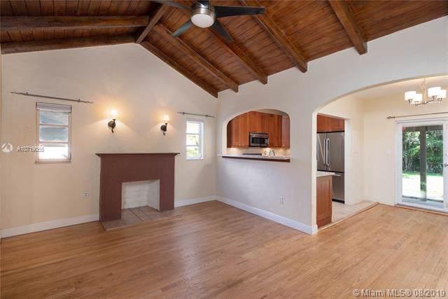 2129 SW 24th St, Miami, FL 33145 (MLS #A10719056) :: Grove Properties