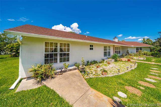 2377 Fawn Drive, Loxahatchee, FL 33470 (MLS #A10719265) :: Berkshire Hathaway HomeServices EWM Realty