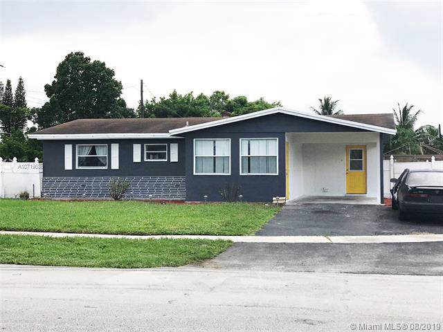 4260 NW 27th St, Lauderhill, FL 33313 (MLS #A10719636) :: The Rose Harris Group