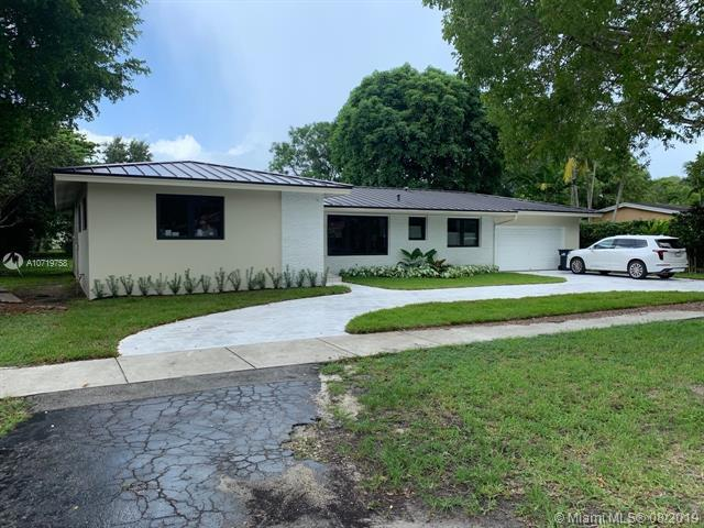 5750 SW 80th St, South Miami, FL 33143 (MLS #A10719758) :: The Kurz Team