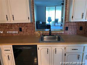 7321 NW 18th #104, Margate, FL 33063 (MLS #A10719843) :: The Teri Arbogast Team at Keller Williams Partners SW