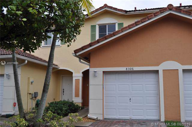 8306 Santa Monica, Tamarac, FL 33321 (MLS #A10719998) :: Ray De Leon with One Sotheby's International Realty