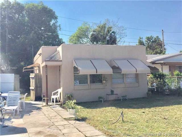1032 Adams St, West Palm Beach, FL 33407 (MLS #A10720621) :: Castelli Real Estate Services
