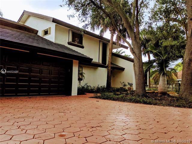 11966 SW 91st Ter, Miami, FL 33186 (MLS #A10721088) :: Berkshire Hathaway HomeServices EWM Realty