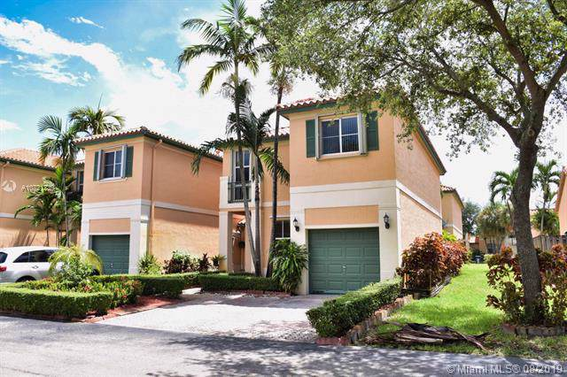14429 NW 83rd Path, Miami Lakes, FL 33016 (MLS #A10721239) :: Berkshire Hathaway HomeServices EWM Realty