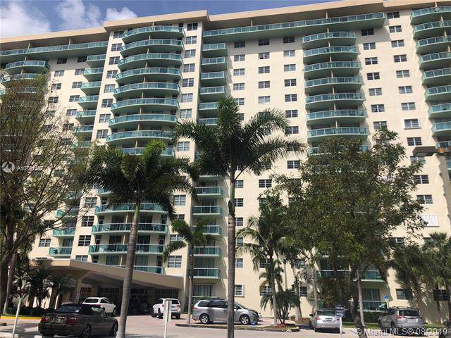 19390 Collins Ave #406, Sunny Isles Beach, FL 33160 (MLS #A10721407) :: The Riley Smith Group