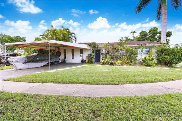 1301 Funston St, Hollywood, FL 33019 (MLS #A10721459) :: Miami Villa Group