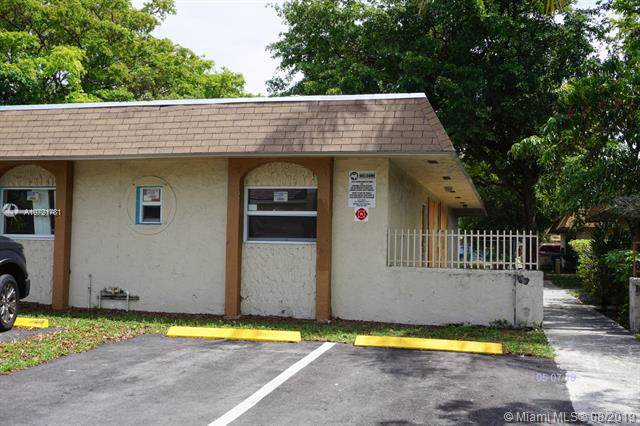 5324 NW 25th St #12, Lauderhill, FL 33313 (MLS #A10721781) :: Ray De Leon with One Sotheby's International Realty