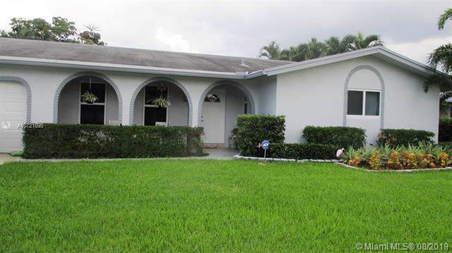 7930 NW 8th Ct, Margate, FL 33063 (MLS #A10721895) :: The Teri Arbogast Team at Keller Williams Partners SW