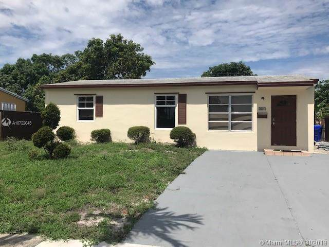 830 N 69th Ave, Hollywood, FL 33024 (MLS #A10722043) :: The Paiz Group