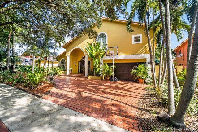 8271 NW 166th Ter, Miami Lakes, FL 33016 (MLS #A10722325) :: The Teri Arbogast Team at Keller Williams Partners SW