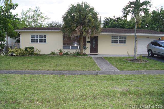 4208 Grant St, Hollywood, FL 33021 (MLS #A10722690) :: Castelli Real Estate Services