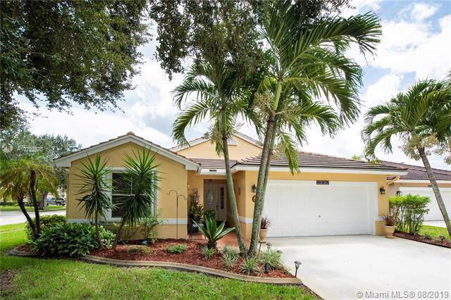 19124 NW 24th Pl, Pembroke Pines, FL 33029 (MLS #A10722875) :: Castelli Real Estate Services
