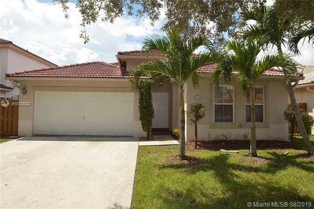 14074 N Cypress Cove Cir, Davie, FL 33325 (MLS #A10723023) :: Grove Properties