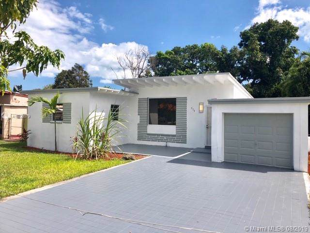 420 NW 111th Street, Miami Shores, FL 33168 (MLS #A10723079) :: The Jack Coden Group