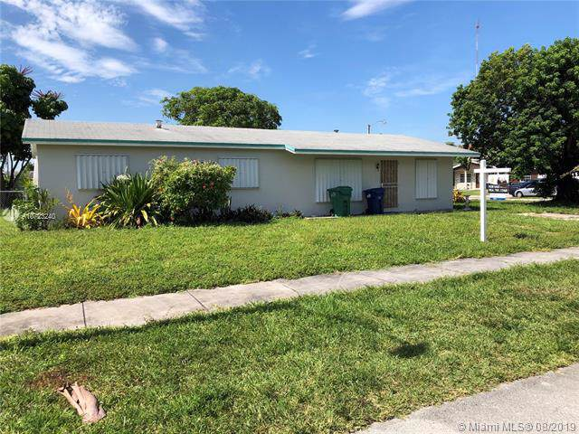 140 NW 206th Ter, Miami Gardens, FL 33169 (MLS #A10723240) :: Lucido Global