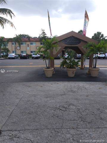 2600 NW 39th Way #102, Lauderdale Lakes, FL 33311 (MLS #A10723384) :: The Jack Coden Group