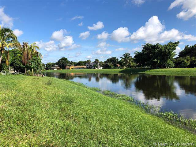 3716 Embassy Dr, West Palm Beach, FL 33401 (MLS #A10723425) :: Ray De Leon with One Sotheby's International Realty