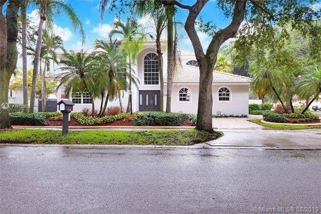 16918 NW 83rd Pl, Miami Lakes, FL 33016 (MLS #A10723876) :: Berkshire Hathaway HomeServices EWM Realty